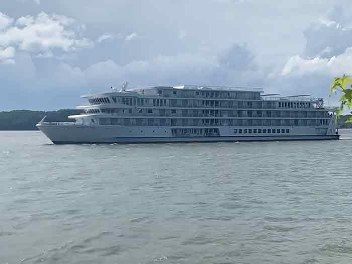 Riverboat afloat