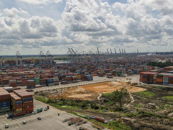 container terminal under cvonstruction