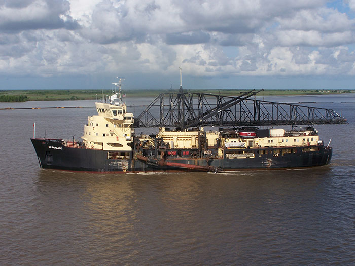 Sideview of dredge