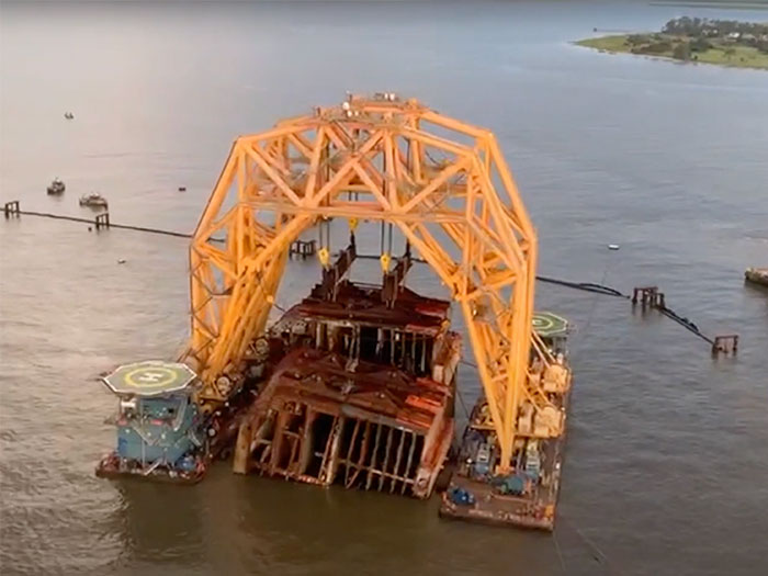 Golden Ray wreck sections are separated