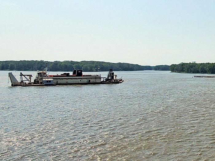Dredge on lakeMississippi River