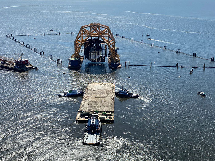 Golden Ray salvage operations